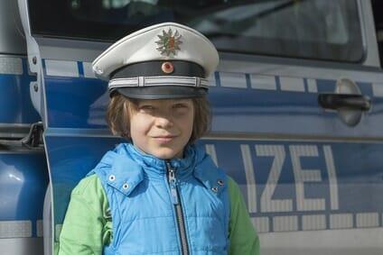 Polizeiberuf: 8 Gründe warum Ihr Kind bei der Polizei gut aufgehoben ist